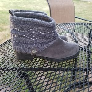 Muk Luks blue and gray Pattrice ankle boots